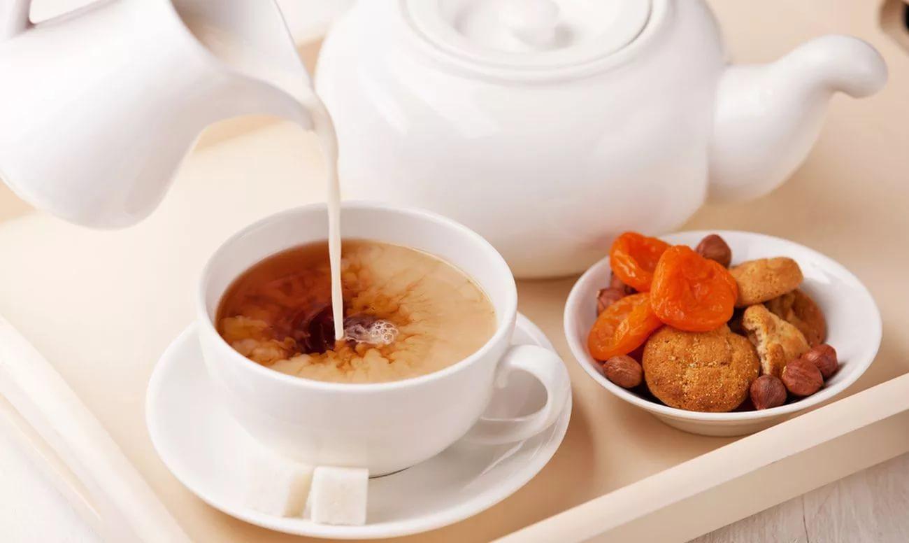 Ученые запретили пить чай с молоком