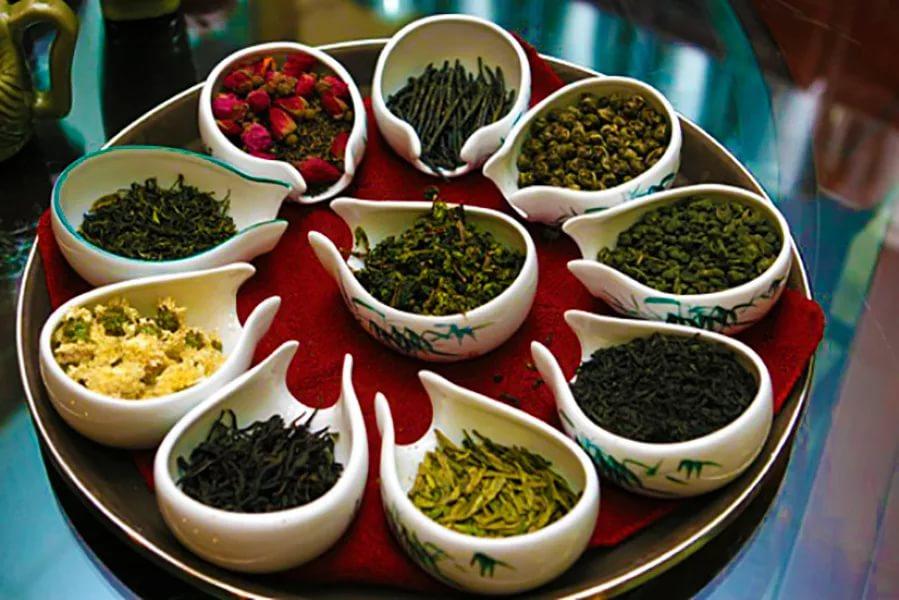 Дерматологи рассказали, какие виды чая омолаживают кожу