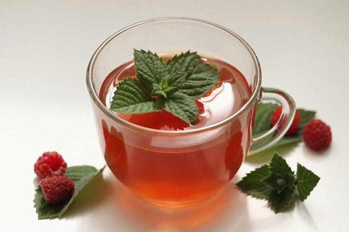 Можно ли пить чай с малиной при температуре