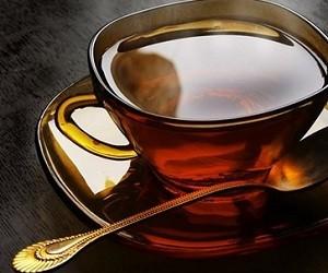 В жару горячий чай охлаждает, а мороженое нагревает организм