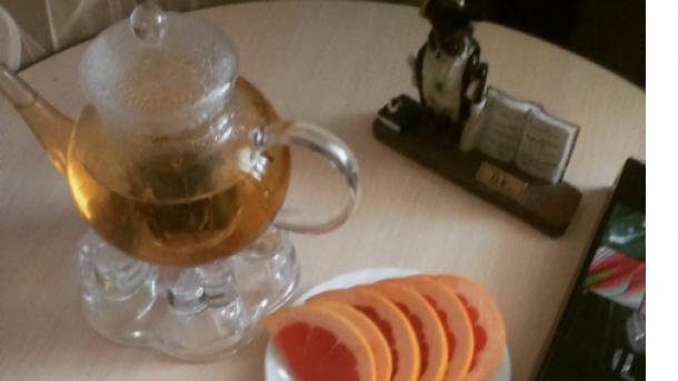 Медики назвали три причины, чтобы отказаться пить чай с сахаром