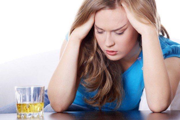 Симптомы и стадии женского алкоголизма