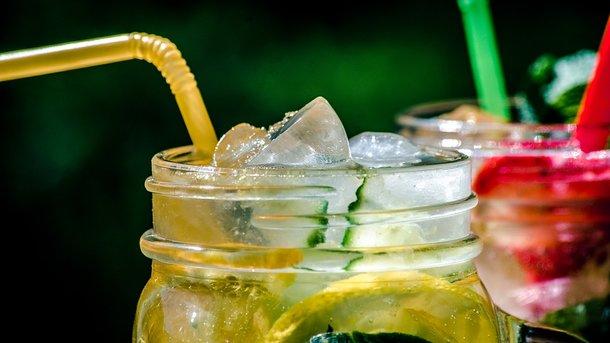Какие напитки утоляют сильную жажду в жару