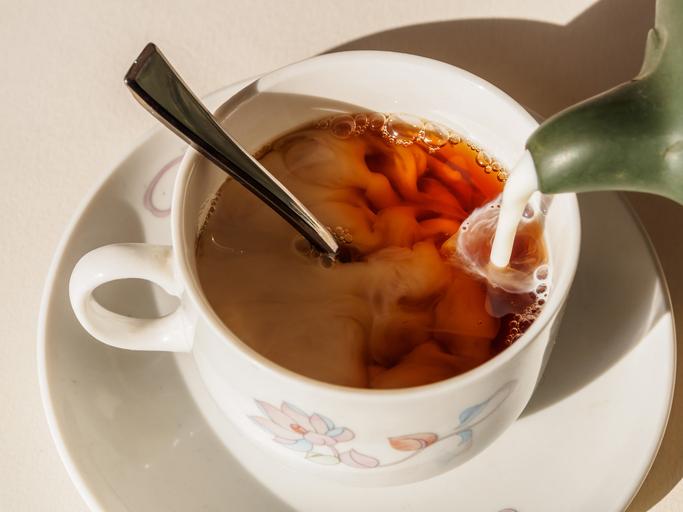Американские ученые не рекомендуют смешивать чай и молоко