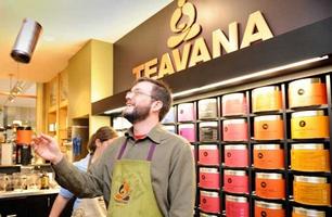 Глобальная сеть кофеен закрывает все свои чайные магазины