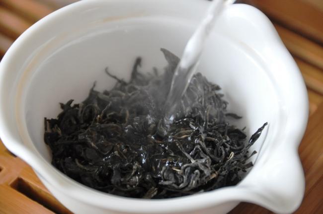 Чай с молоком – прямой путь к расстройствам ЖКТ