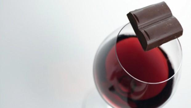 Красное вино, шоколад и зеленый чай помогут при глаукоме