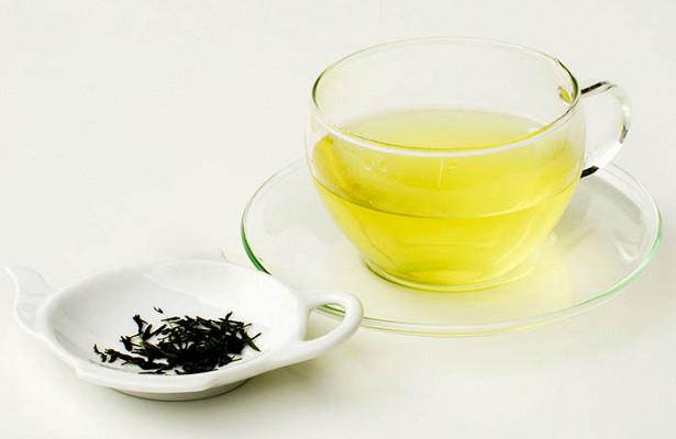 Не ЧАЯнный вред: какие лекарства нельзя запивать зеленым чаем