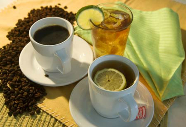 Кофе и зеленый чай снижают риск смерти на 15 %, выяснили ученые
