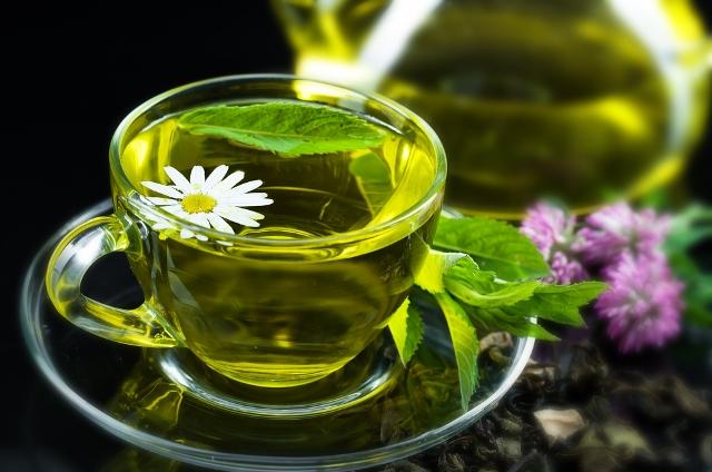 Слишком большие дозы зеленого чая могут вызывать болезни печени и почек