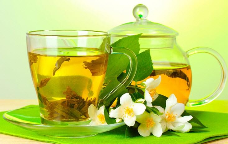 Чай и кофе спешат на помощь больной спине