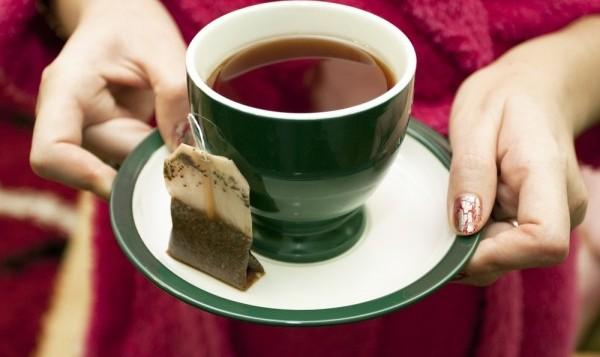 Для спокойного сна нужно отказаться от чая, кофе и алкоголя