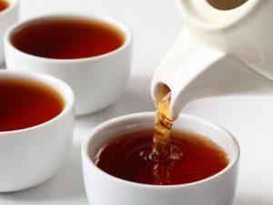 В похудении одинаково эффективны и зеленый, и черный чай