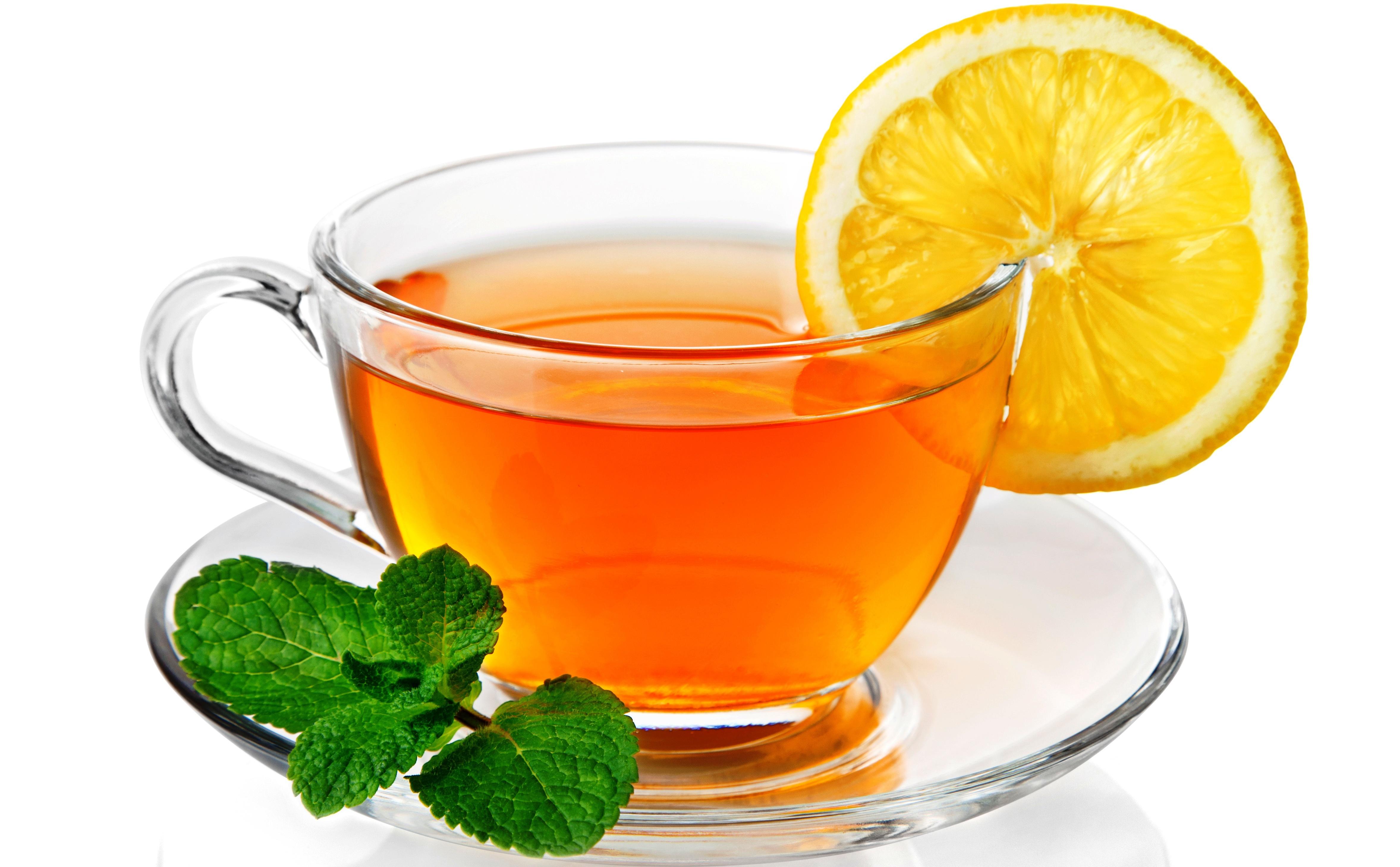 Зелёный чай полезнее пить с лимоном