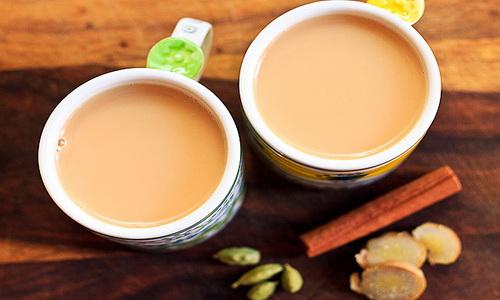 Молоко нейтрализует полезные свойства чая