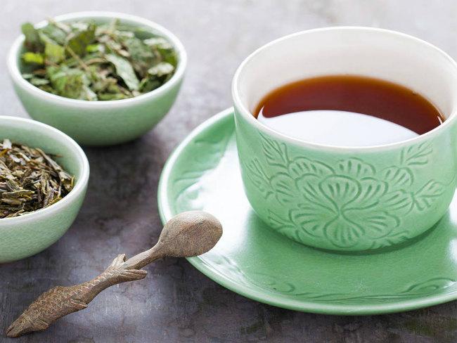 Зеленый и черный чай защищают мозг от старения