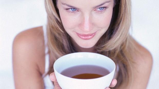 Ученые выяснили, чем может быть опасен горячий чай