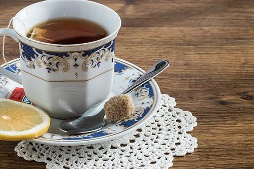 Ученые не советуют запивать витамины чаем и кофе