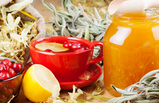 Фруктовый чай и напитки приводят к эрозии зубов