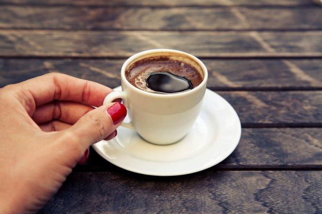 Кофе и травяной чай одинаково защищают от цирроза печени