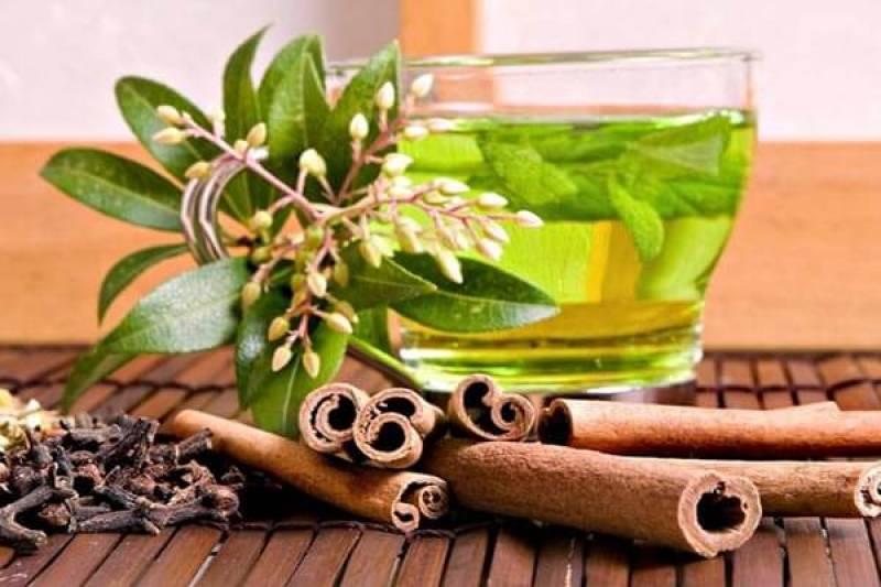 Чай из корицы и лаврового листа для избавления от лишнего веса