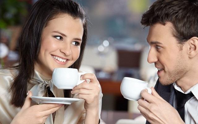 Что происходит с организмом, если весь день пить чай или кофе