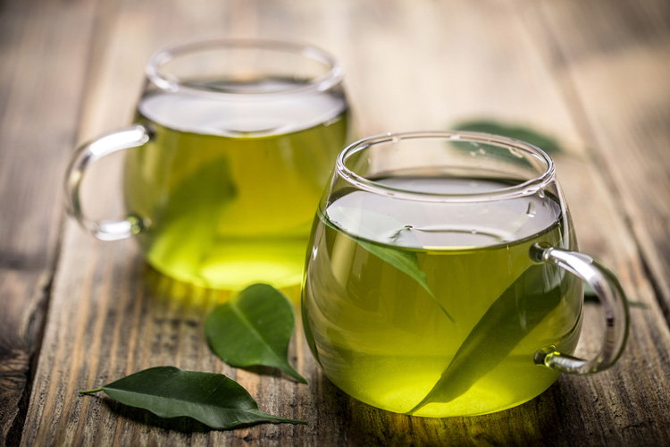 Зеленый чай защитит от деменции и ожирения