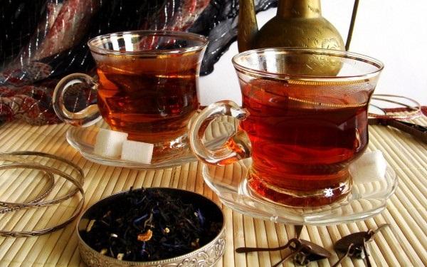 Черный чай для лица