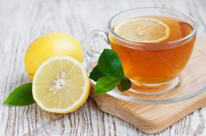 Врачи дали объяснения, почему плох чай с лимоном
