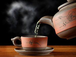 Черный чай бодрит лучше кофе, а зеленый – повышает иммунитет
