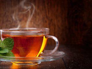 Во время резкого похолоданиям врач порекомендовал добавлять в чай имбирь