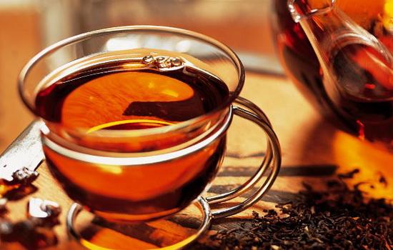 Некрепкий черный чай защищает сосуды