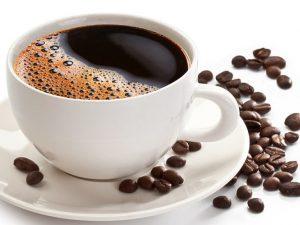 Диетологи рассказали, какие напитки могут заменить кофе