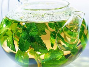 Врач: лучше всего согревают и защищают от простуд чаи с бадьяном и имбирем