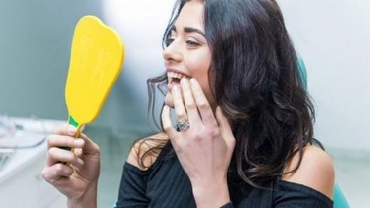 Жевательная резинка и чай с добавлением корицы уничтожают неприятный запах изо рта