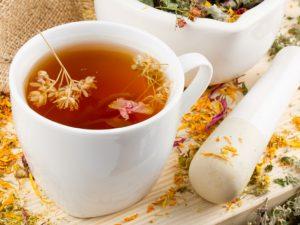 Лучшим средством для утоления жажды в жару является теплый чай – эксперт