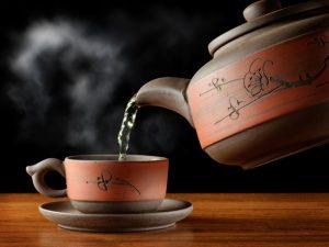 Врачи: Горячий чай повышает риск развития рака