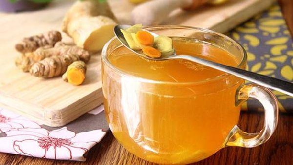 6 полезных свойств чая с куркумой