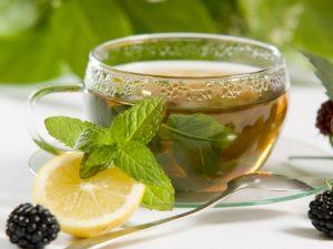 Раздраженную после загара кожу «успокоит» зеленый чай