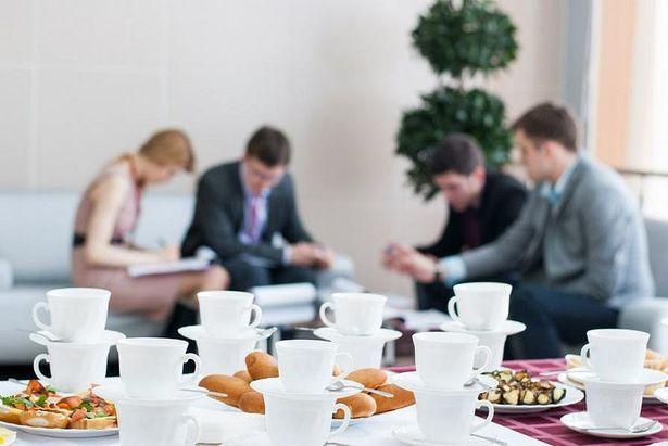 Пить чай или кофе в офисе опасно для здоровья