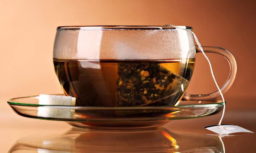 Медики рассказали всю правду о чае в пакетиках