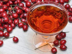 Чай с боярышником улучшает состояние сердца