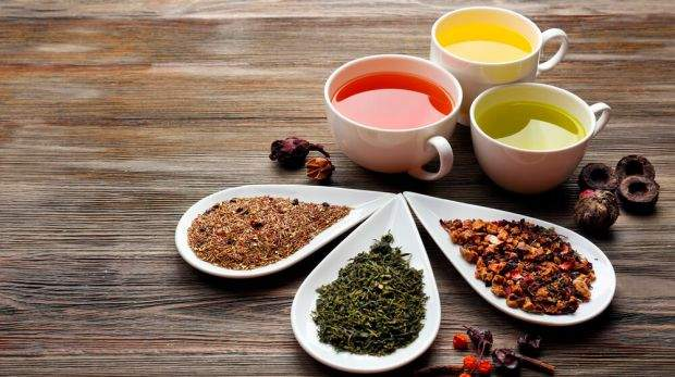 Названы чаи, которые желательно регулярно пить женщинам