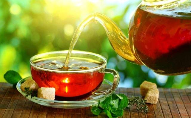 Медики рассказали, можно ли гипертоникам пить чай