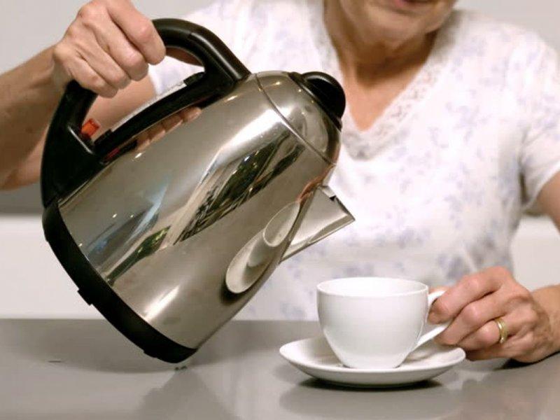 Чай из бутилированной и водопроводной воды: что лучше?