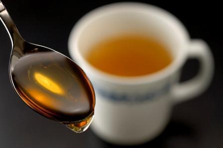 Чай с мёдом и балует и лечит
