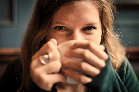 Чай или кофе? Учёные выяснили какой напиток полезней для женщин