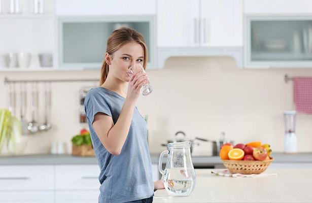 Травяной чай, ингаляции и еще 5 простых советов, как вернуть пропавший голос