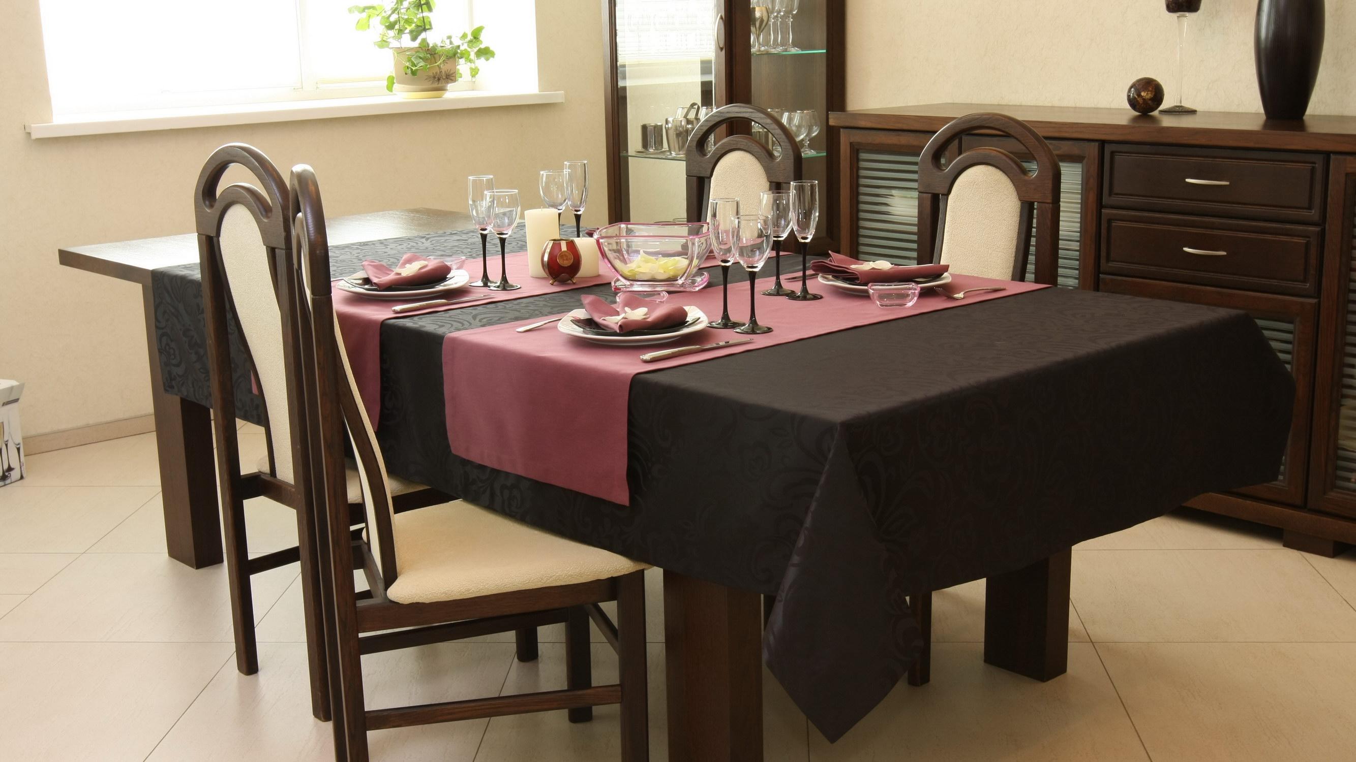 Столовая посуда и столовое белье