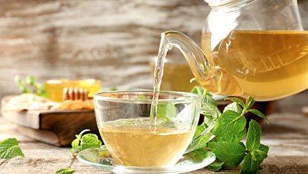 Травяной чай поможет снизить давление